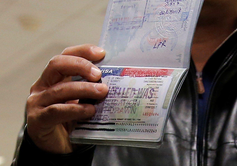 EP paragino atkurti vizų režimą į ES atvykstantiems amerikiečiams