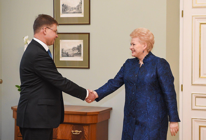 Dombrovskis: darbo rinkos ir švietimo reformos Lietuvoje – būtinos