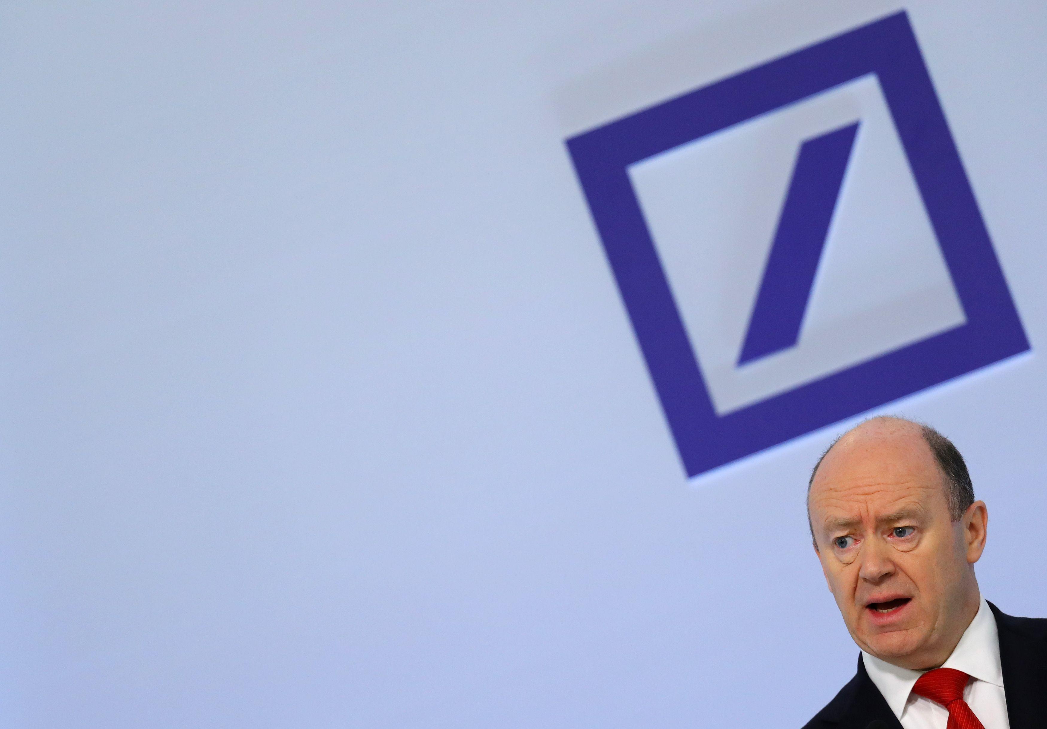 """""""Deutsche Bank"""" stiprins kapitalą – sieks pritraukti 8 mlrd. Eur"""