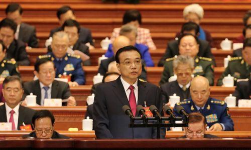 Kinija mažina ūkio augimo prognozę, kovos su tarša