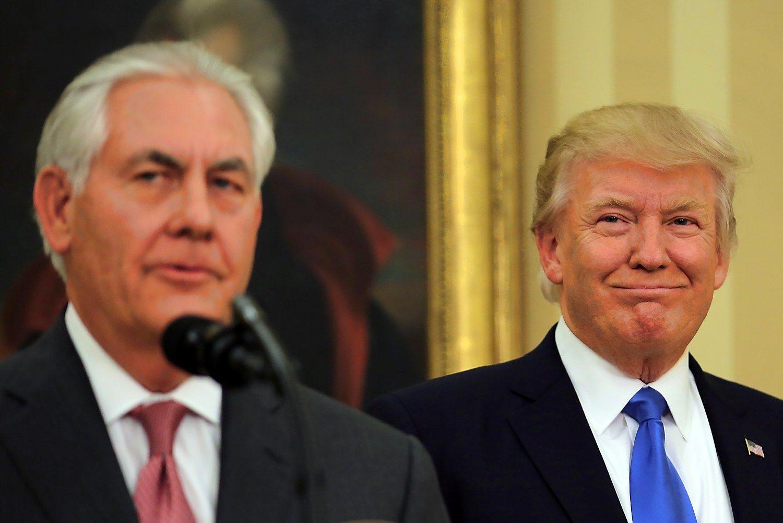 """Iš Trumpo lūpų – pagyros """"Exxon Mobil"""" ir sau"""