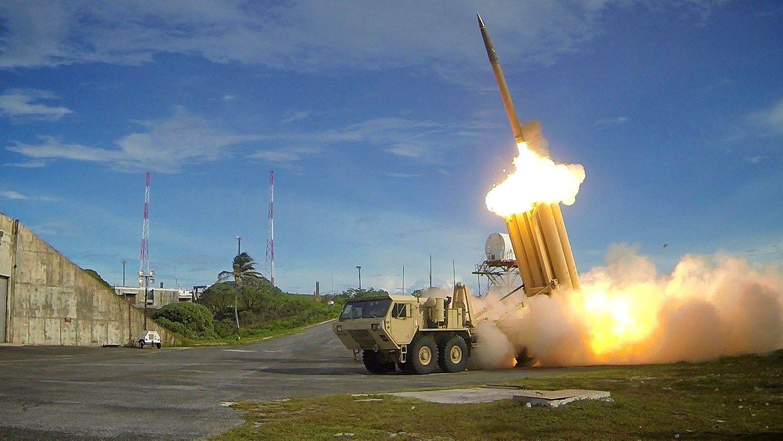 JAV į Pietų Korėją atgabena priešraketinės gynybos sistemą