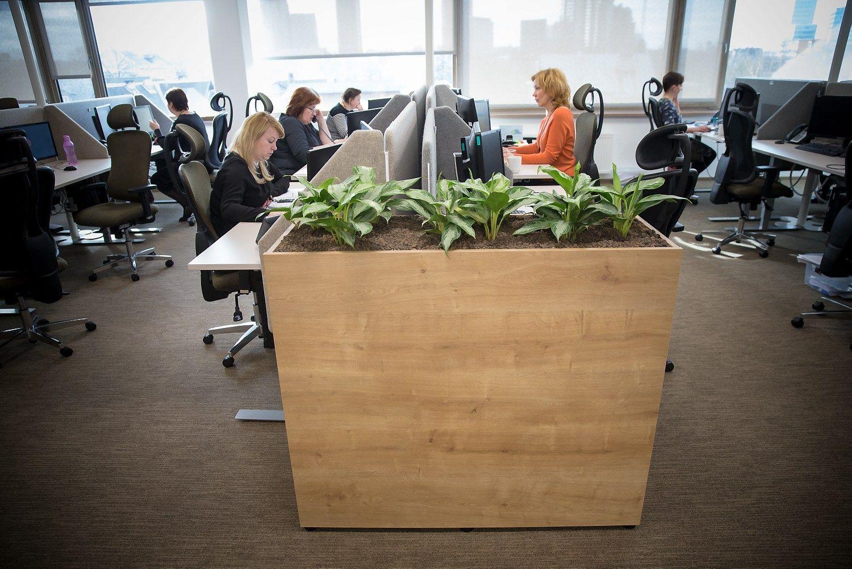 Šveicarijos verslas vienija jėgas: daugiau moterų vadovių, lygesnės algos