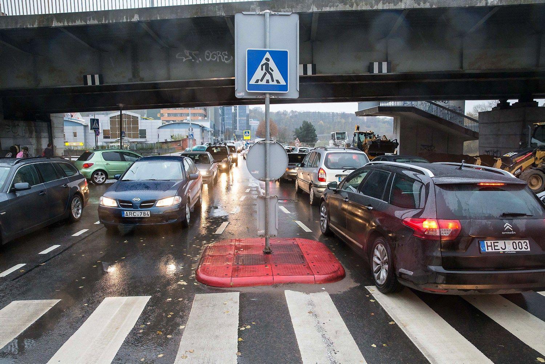 Išvardijo, kuriuose keliuose vairuotojų tyko pavojai