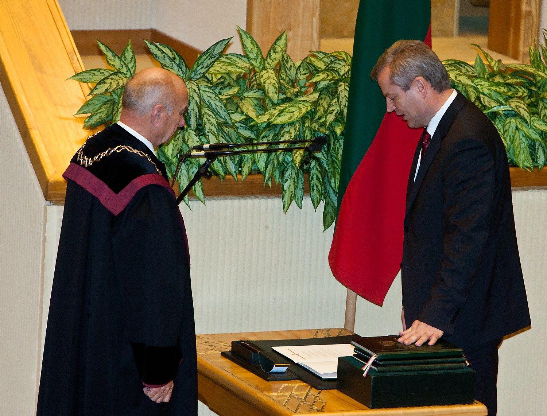 VSD informacija klampina Seimo vicepirmininką Bastį