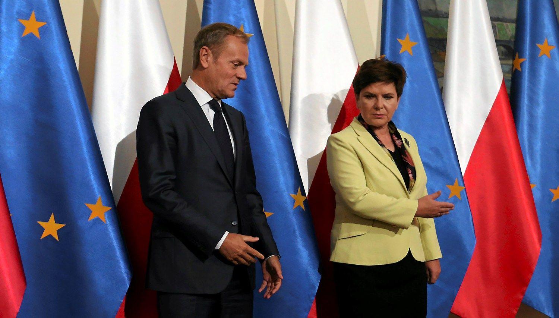 ES lyderiai renkasi spręsti Lenkijos pliekiamo Donaldo Tusko likimą