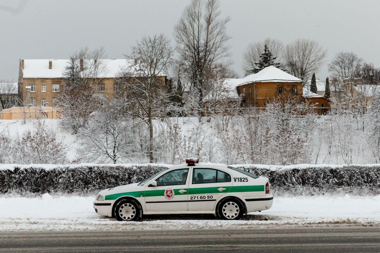 Palangos policijos vadovas nurodė ignoruoti vairuotojų pažeidimus