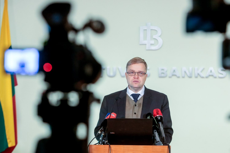 Vasiliauskas: skolinimasisišlieka pigus, algos toliau auga sparčiau už kainas