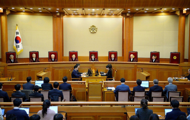 Teismas nusprendė: Pietų Korėjos prezidentė paliks savo postą