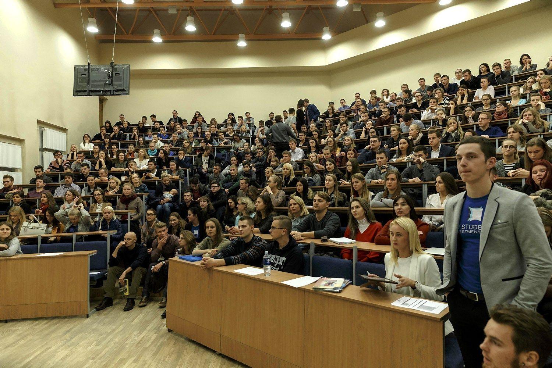 Švedijos universitetų jungimosi patirtis: sunkumai ir rezultatai