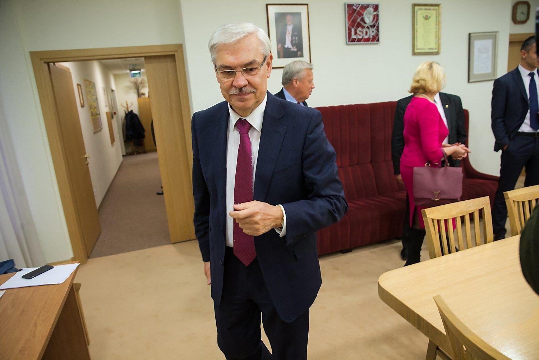 Balčytis – į TVF, Kirkilas arba Olekas – į EP, Bradauskas grįžta į Seimą