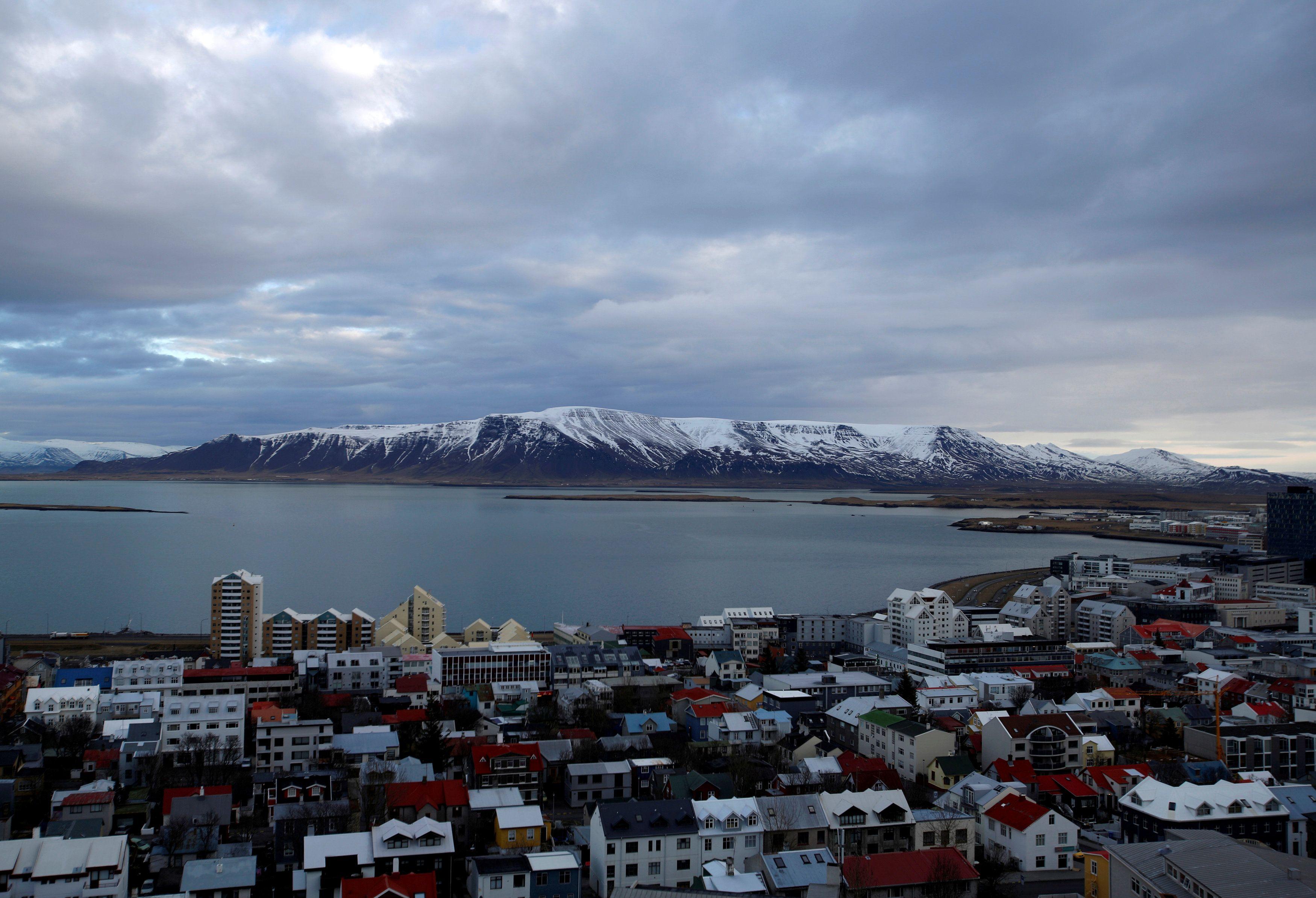 Islandija galutinai atšaukia kapitalo kontrolę