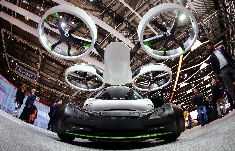 Ženevos automobilių parodoje idėjų kilti į orą neatsisakyta