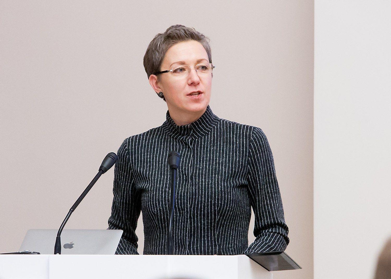 Prezidentės pasiūlytą įstatymo projektą dėl valstybės valdomų įmonių vadovų kadencijų įvedimo Seimui pristatė jos patarėja Lina Antanavičienė. Juditos Grigelytės (VŽ) nuotr.