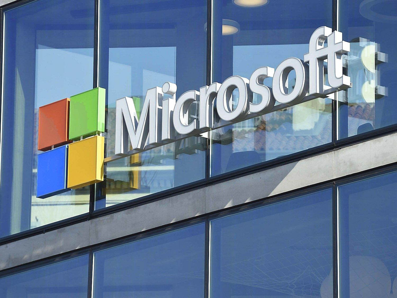 """""""Microsoft"""" meta pirštinę """"Slack"""", naujas sprendimas veikia ir Lietuvoje"""