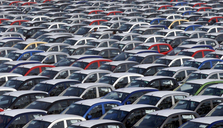 Europos naujų automobilių rinka vėsta