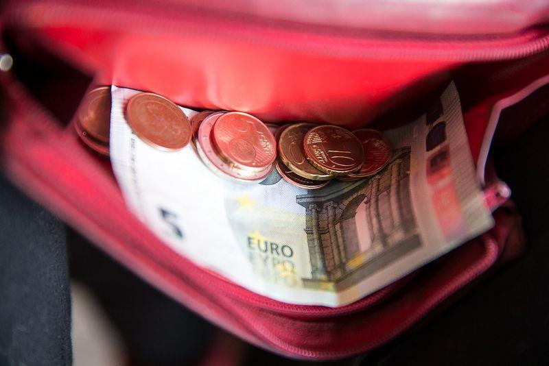 2015 01 07. Eurai - bendra Europos Sąjungos šalių valiuta. Juditos Grigelytės nuotr.