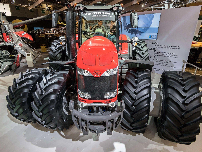"""""""Massey Ferguson"""" pristatė galingiausią savo traktorių"""