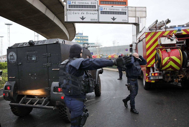 Paryžiaus-Orli oro uoste nušautasžmogus