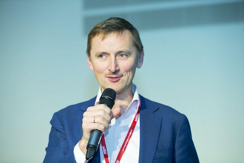 """KOMAA valdybos pirmininku dar vienai kadencijai perrinktas Saulius Šukaitis, žiniasklaidos planavimo agentūros """"Vizeum"""" vadovas. Vladimiro Ivanovo (VŽ) nuotr."""