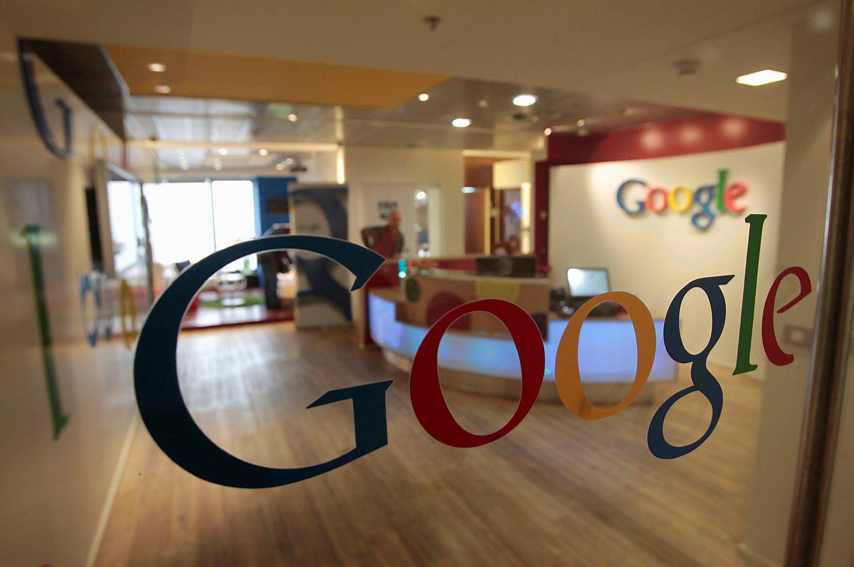 """Dėl """"Google"""" sunerimo reklamos užsakovai ir investuotojai"""