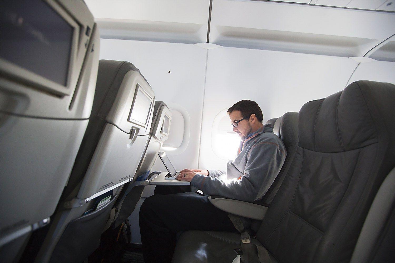 JKir JAV uždraudė el. įrenginius dalyje skrydžių