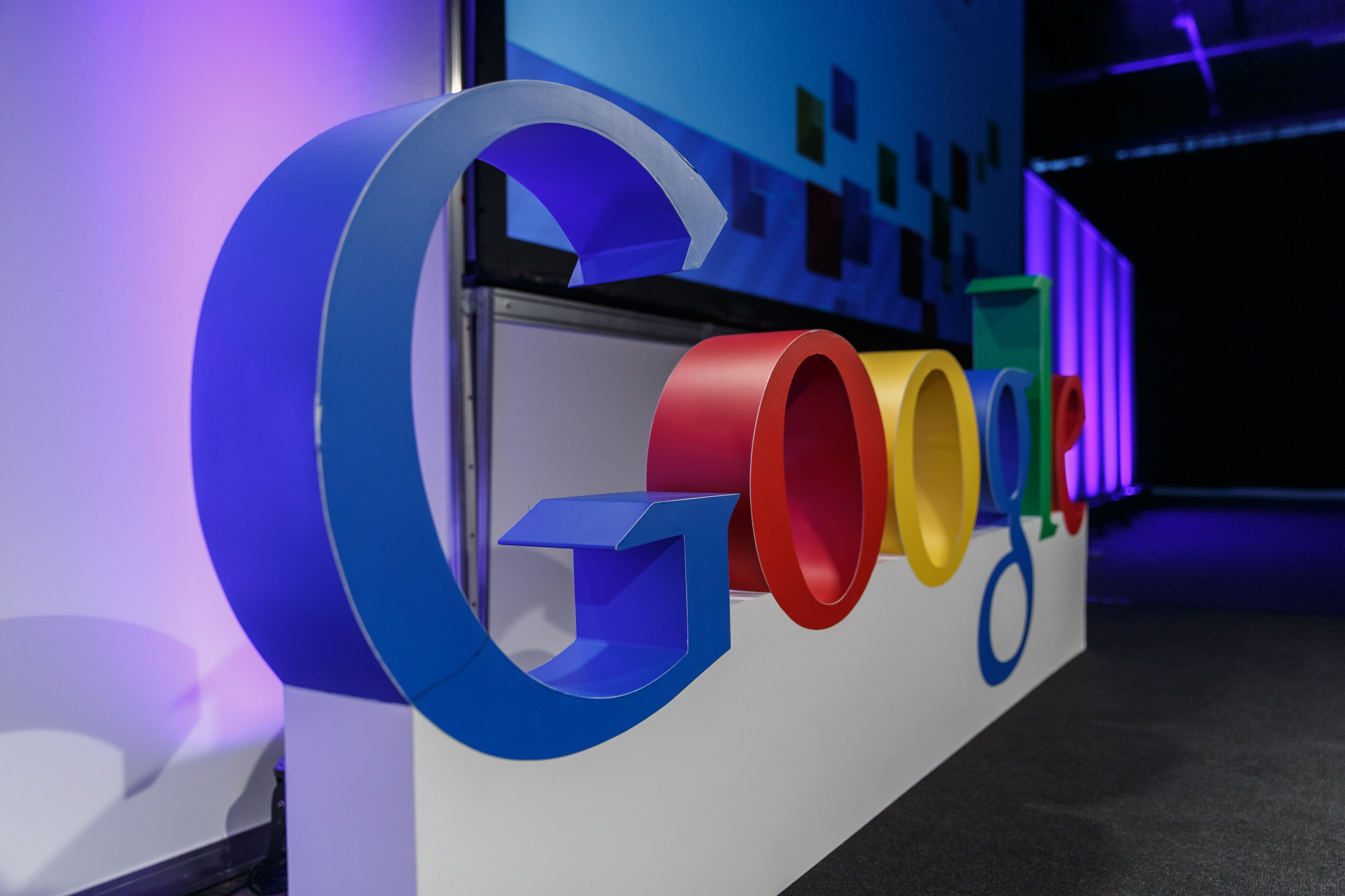 """Dar vienas """"Google"""" paramos etapas"""