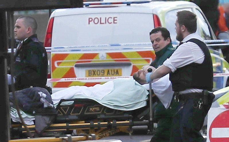 Išpuoliai Londone tiriami kaip teroristiniai, aukų skaičius išaugo