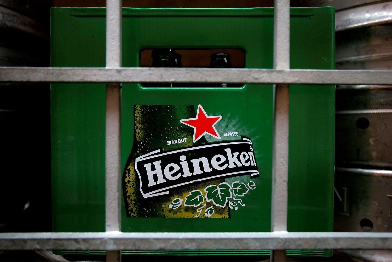 """Vengrija kaip komunizmo simbolį siekia uždrausti """"Heineken"""" žvaigždę"""