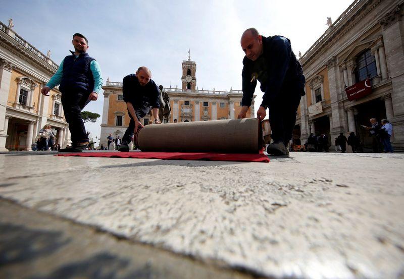 "ES lyderiai šeštadienį susitiks Romos Kapitolijaus rūmuose. Alessandro Bianchi (""Reuters"" / ""Scanpix"") nuotr."