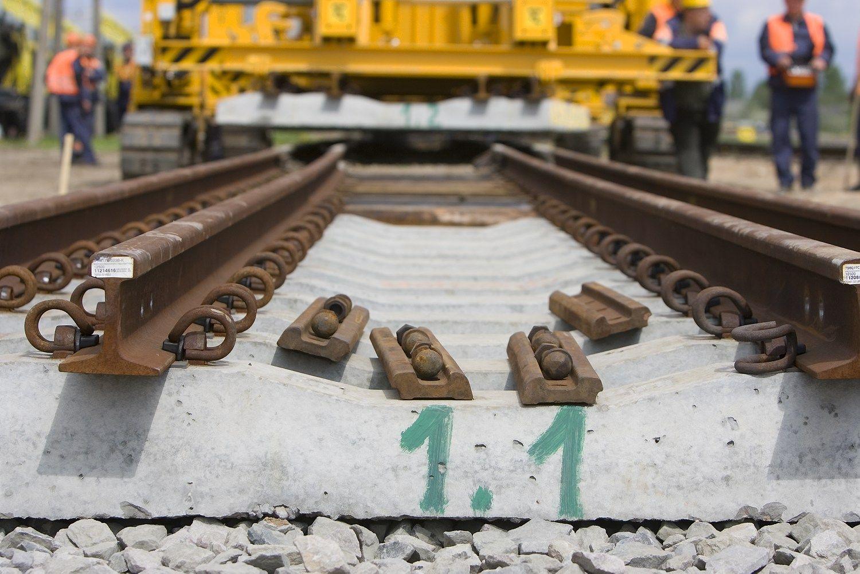 """Iš naujo skelbs 4 """"Rail Balticos"""" tiesimo konkursus"""