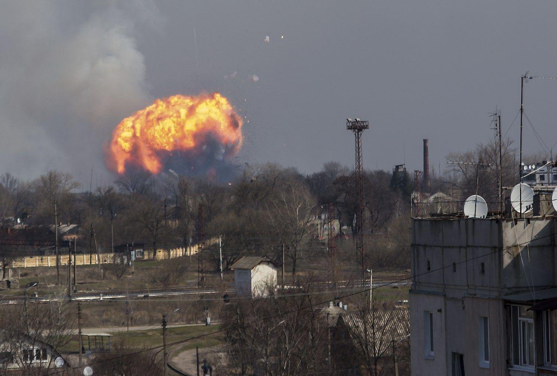 URM įspėja dėl kelionių į sprogimą patyrusįUkrainos miestą