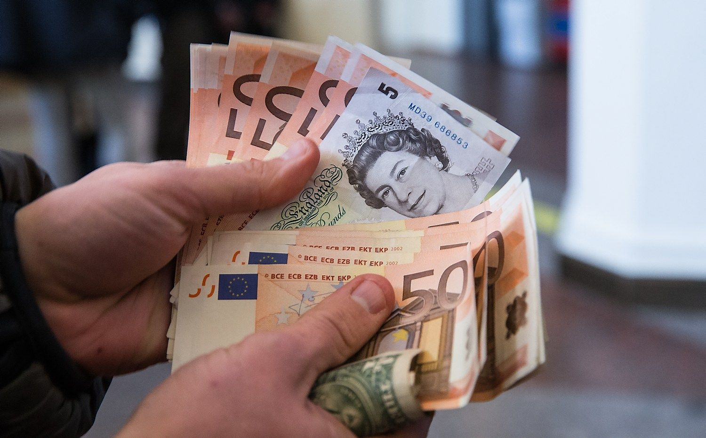 """LB: """"Brexit"""" penktadaliu sumažino perlaidų iš JK į Lietuvą"""