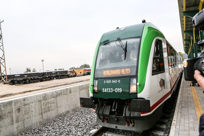 """Lietuvius išjudino, dabar dėl """"Rail Balticos"""" tenka įtikinėti estus"""