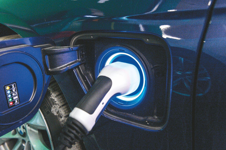 Hibridų rinkai nauja technologija žada pokyčių