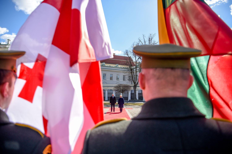 Gruzijos prezidentas Grybauskaitės paprašė pagalbos einantlink NATO