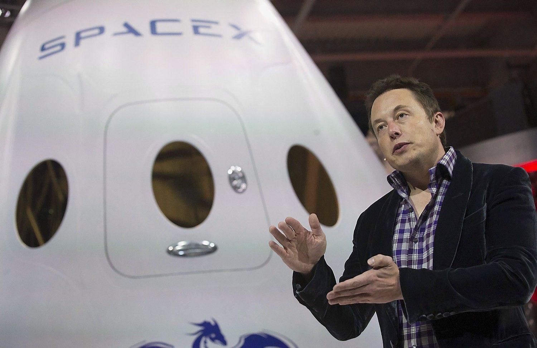 Elonas Muskas investuoja į smegenų ir kompiuterio jungtį