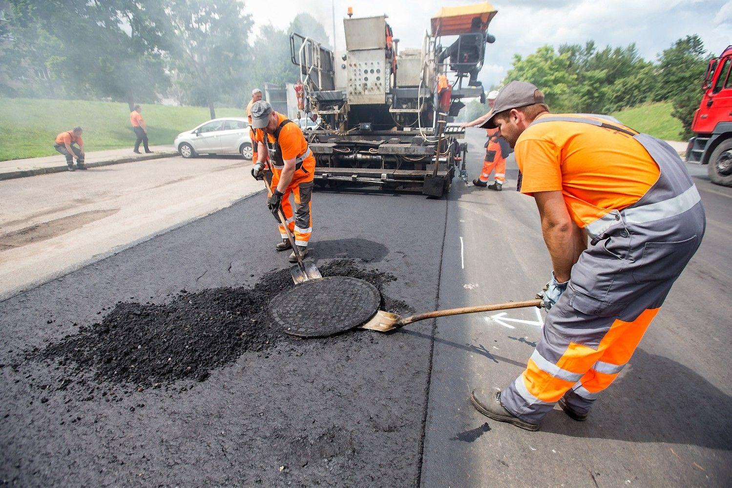 Vyriausybė pradėjo regioninių kelių priežiūros įmonių pertvarką