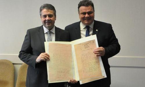 Nepriklausomybės Aktą iš pradžių žada perduoti ekspozicijai
