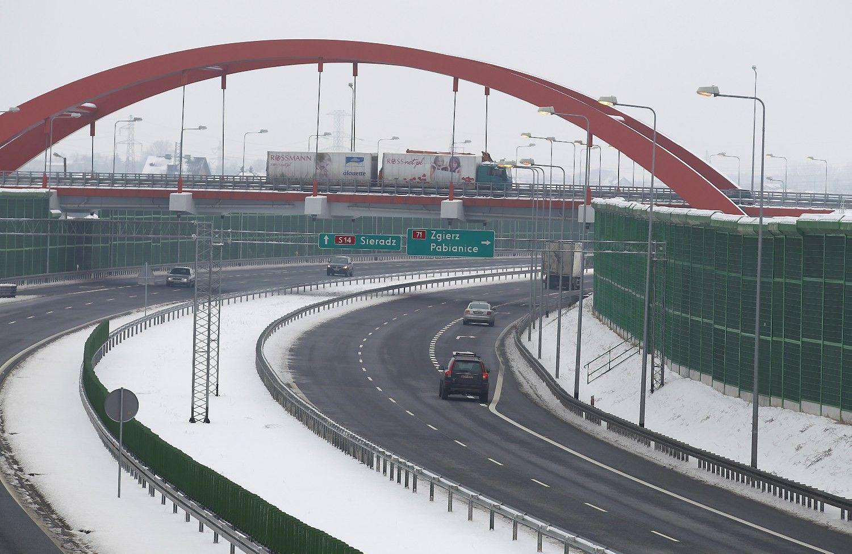 """""""PKN Orlen"""" kelyje į Berlyną planuoja statyti elektromobilių įkrovimo tinklą"""
