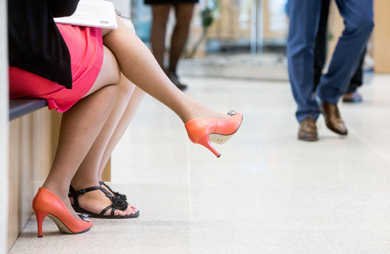 Ne tik rengs moteris siekti karjeros, bet ir aprengs