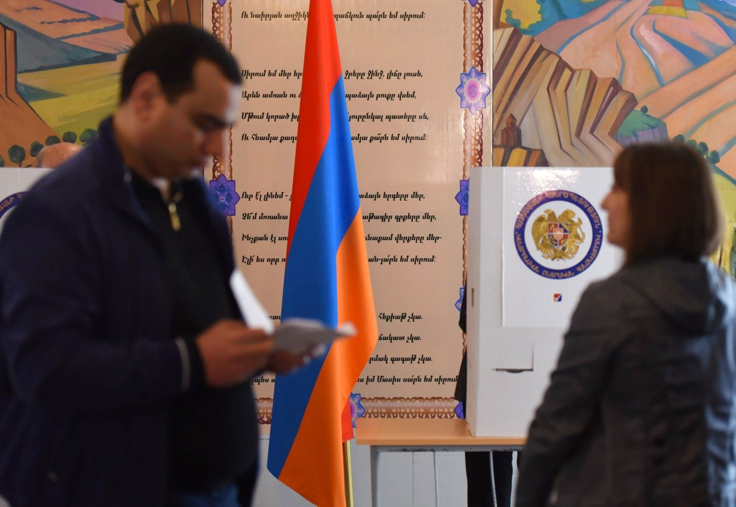 Rinkimuose Armėnijoje pergalę švenčia valdantieji, opozicija praneša apie klastojimą