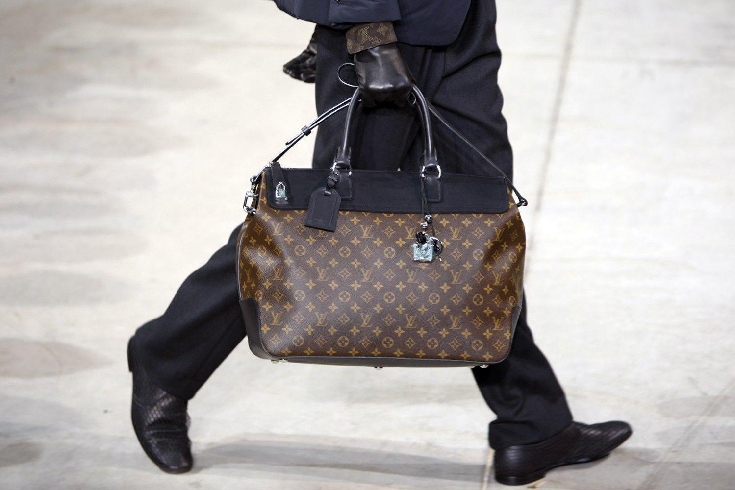 """Vertingiausias liukso klasės prekių ženklas – """"Louis Vuitton"""""""
