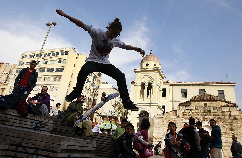 Jauni bedarbiai lieka euro zonos atsigavimo užribyje