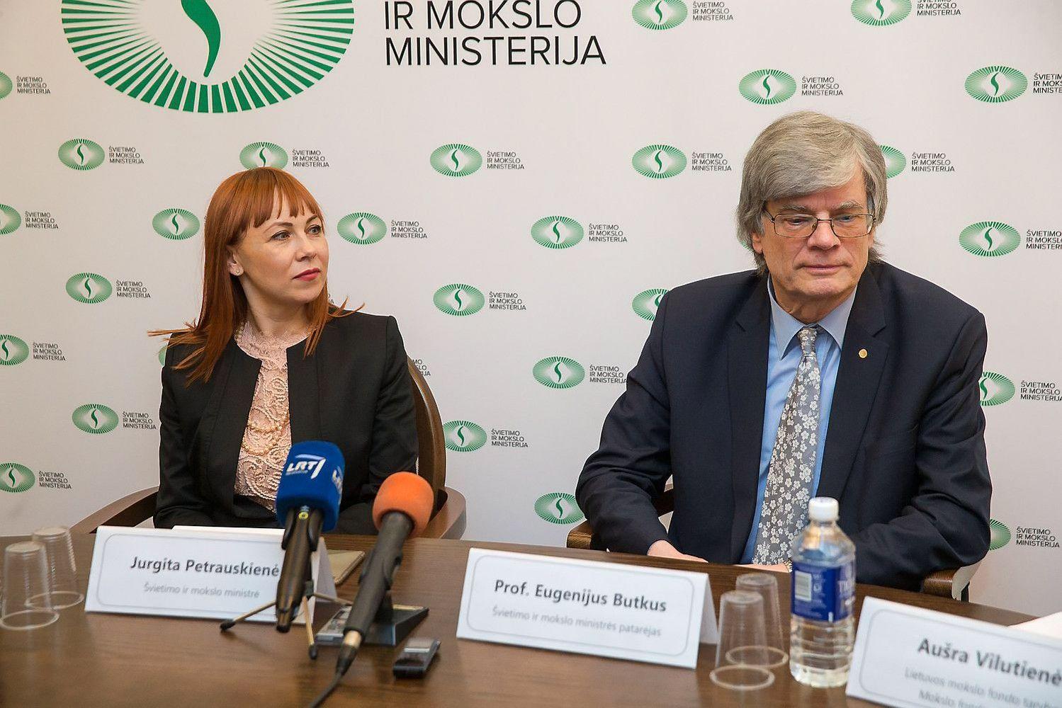 Atrišo pinigų maišą: mokslui skirs 49 mln. Eur