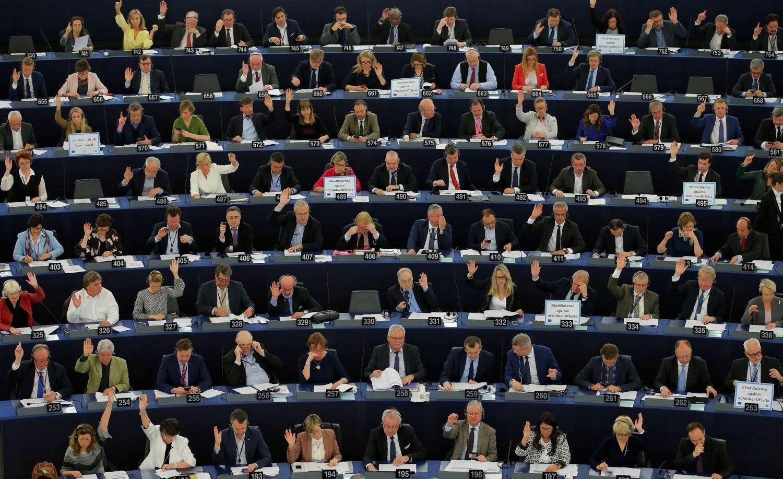 """Europos Parlamentas priėmė rezoliuciją dėl """"Brexit"""" gairių"""