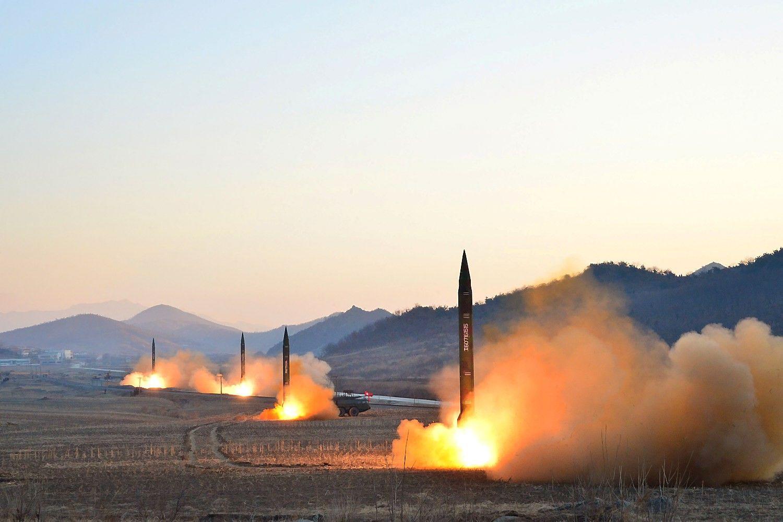 Š. Korėja paleido raketą į Japonijos jūrą