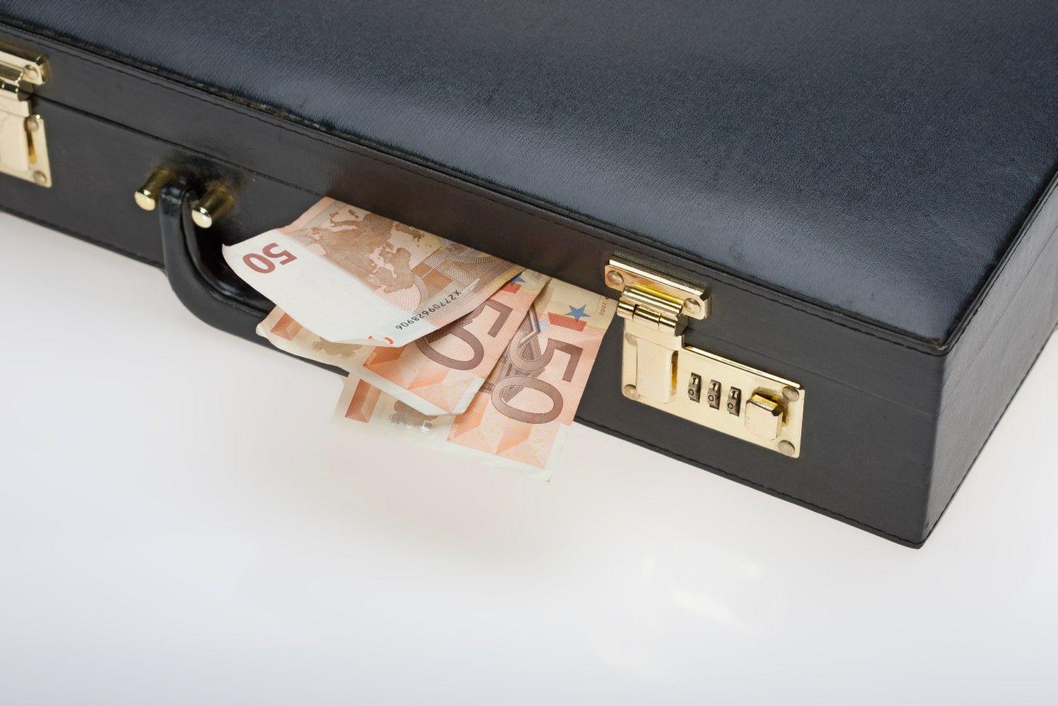 Verslo apklausa apie korupciją: ryšys su ekonomikos augimu ir nuvilianti Y karta
