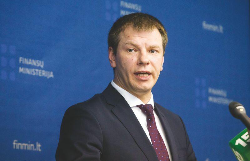 """Vilius Šapoka, finansų ministras: """"Perteklinis biudžetas nėra pagrindas atsipalaiduoti – tai žinia, kad reikia gyventi ir pinigus leisti pagal realias galimybes."""" Juditos Grigelytės (VŽ) nuotr."""