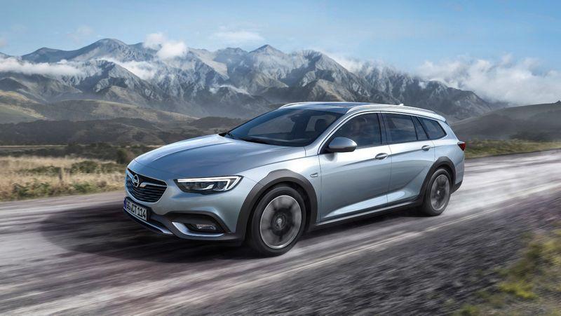 """Opel Insignia Country Tourer"". Gamintojo nuotr."
